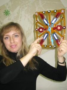 Участница мастер-класса изготовила часы в ванную комнату своего нового дома